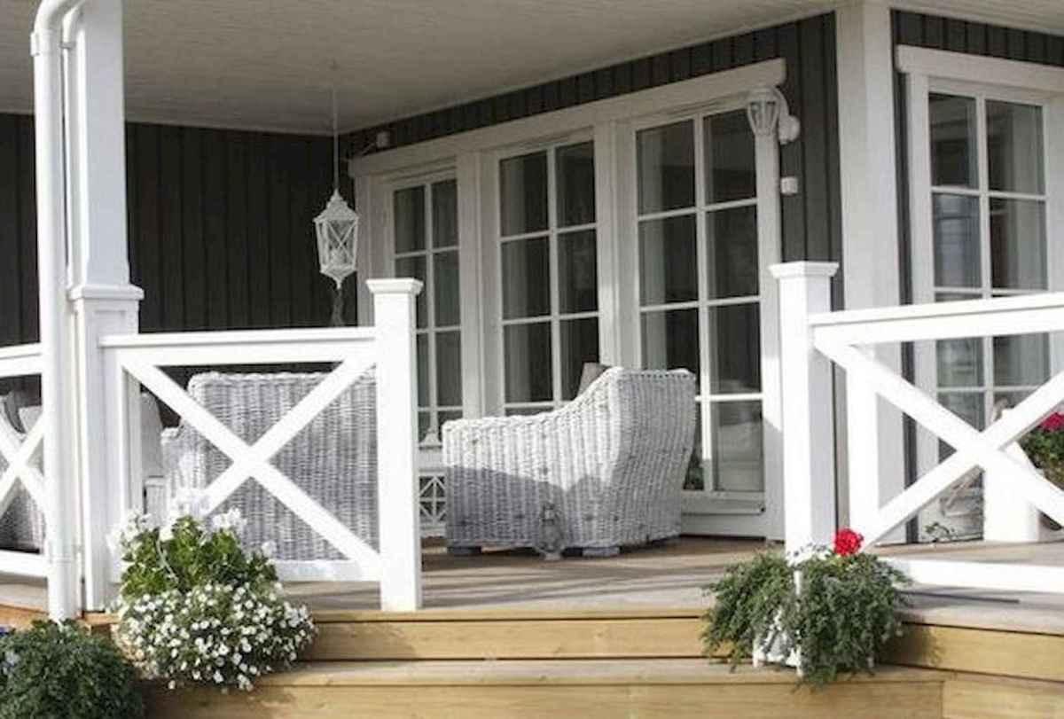 65 stunning farmhouse porch railing decor ideas (25)