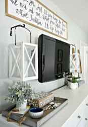 66 best farmhouse living room remodel ideas (16)