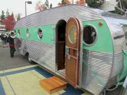 70 spectacular vintage trailers rv living ideas (19)