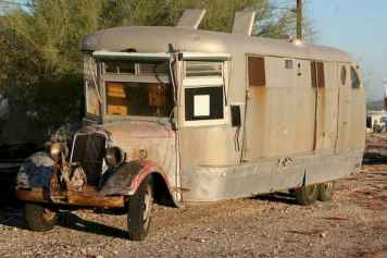 70 spectacular vintage trailers rv living ideas (28)