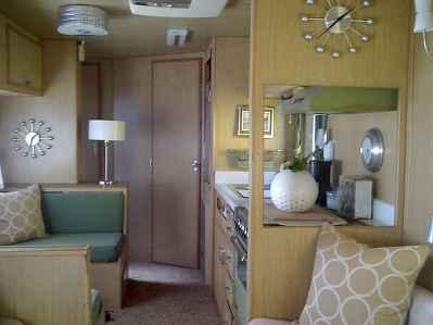 90 modern rv remodel travel trailers ideas (82)