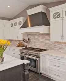Best 100 white kitchen cabinets decor ideas for farmhouse style design (51)