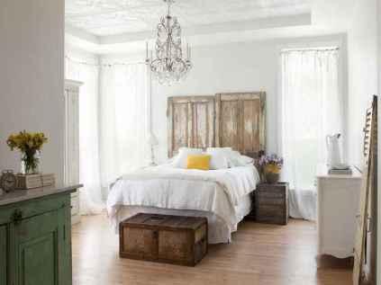 100 elegant farmhouse master bedroom decor ideas (80)
