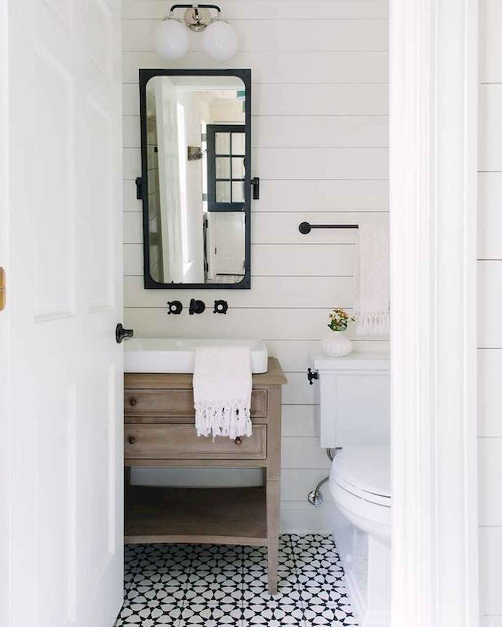 125 awesome farmhouse bathroom vanity remodel ideas (113)