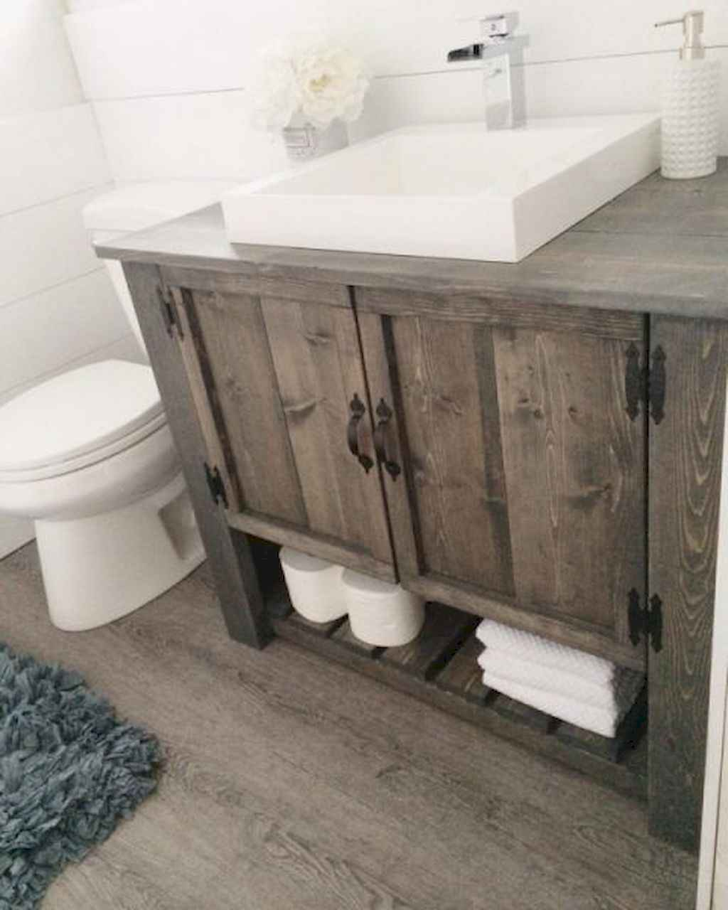 125 awesome farmhouse bathroom vanity remodel ideas (57)
