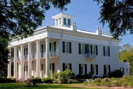 80 awesome plantation homes farmhouse design ideas (14)