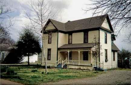 80 awesome victorian farmhouse plans design ideas (31)
