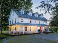 80 awesome victorian farmhouse plans design ideas (41)