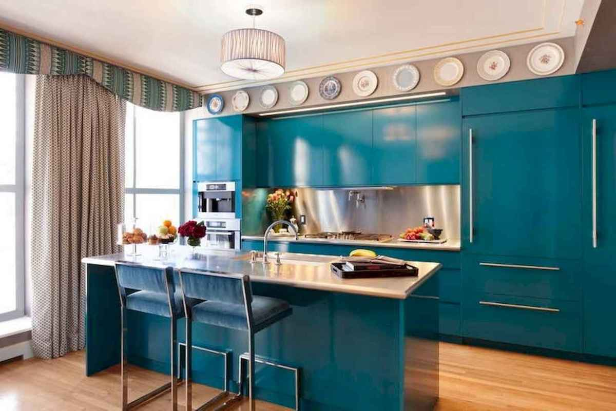Best 40 colorful kitchen cabinet remodel ideas for first apartment (24)