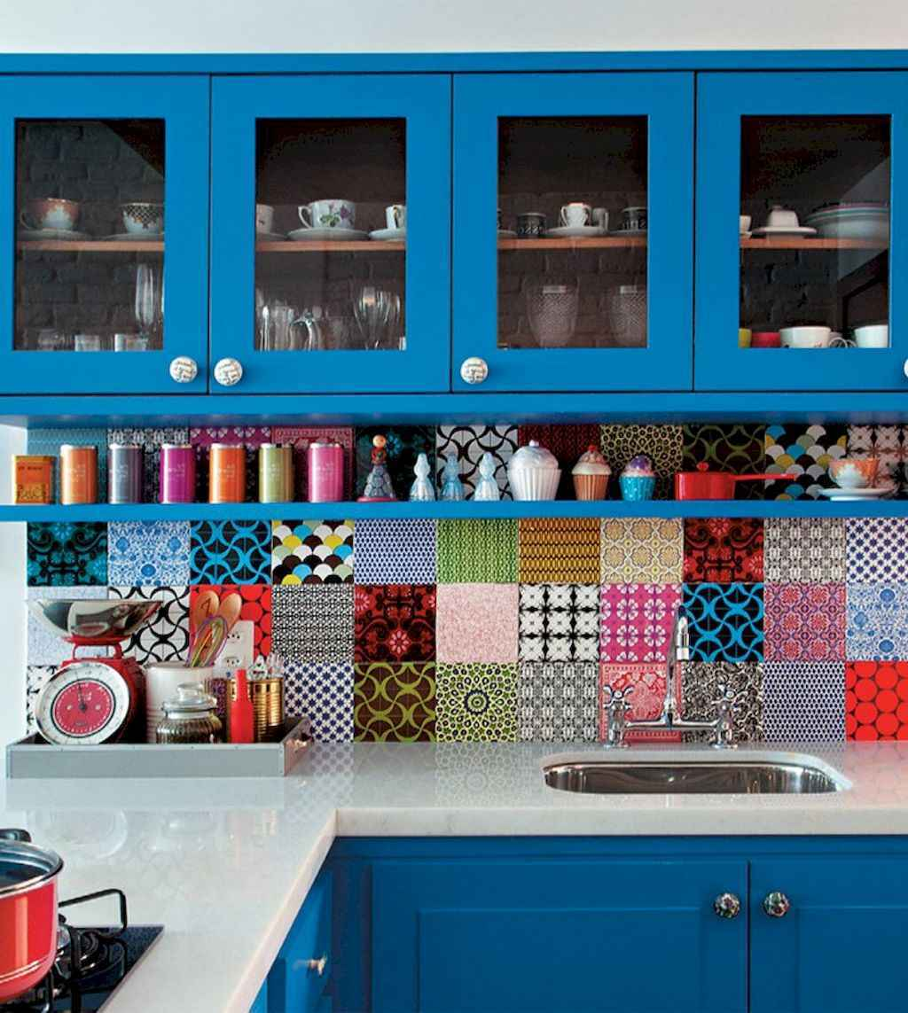 Best 40 colorful kitchen cabinet remodel ideas for first apartment (5)