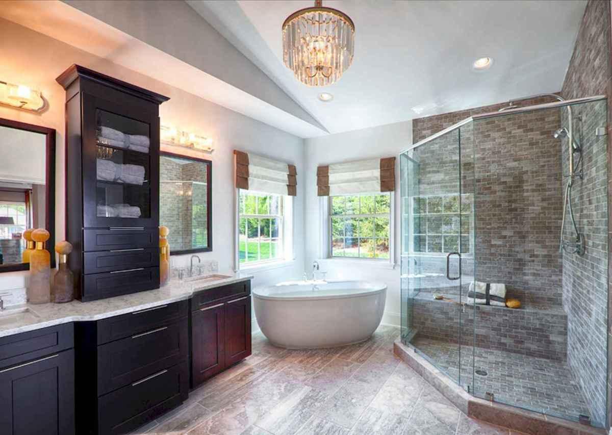 Top 25 farmhouse master bathroom decor ideas (21)