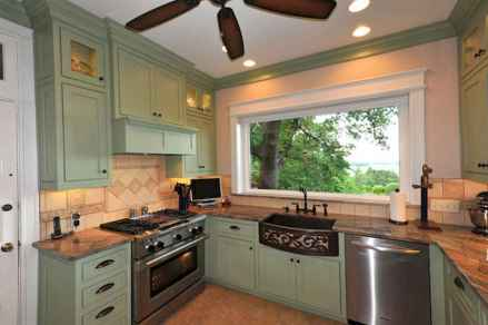 120 awesome farmhouse kitchen design ideas and remodel to inspire your kitchen (100)