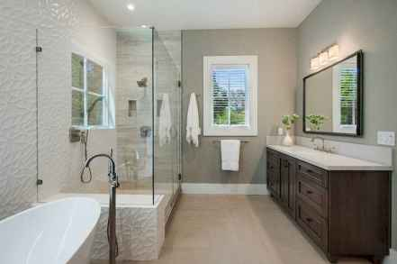 120 best modern farmhouse bathroom design ideas and remodel to inspire your bathroom (31)