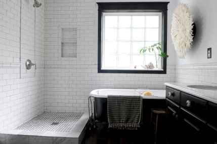 150 stunning farmhouse bathroom tile floor decor ideas and remodel to inspire your bathroom (51)
