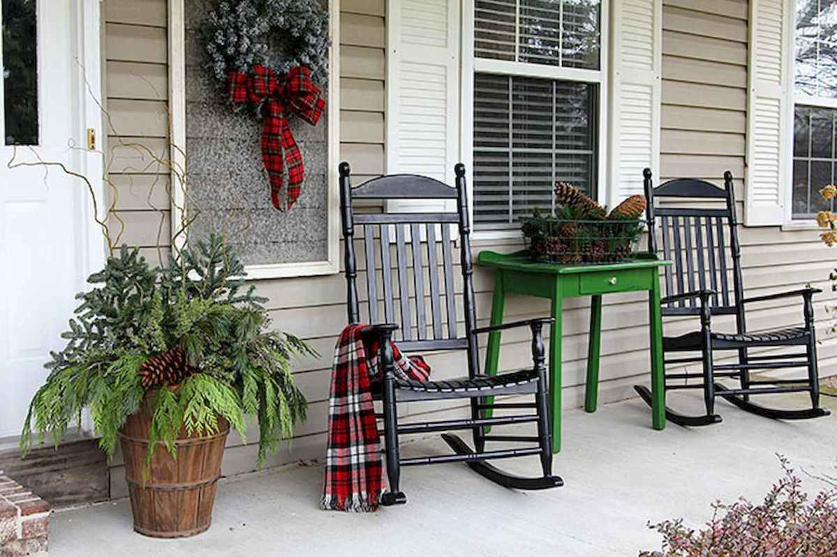 50 beautiful christmas porch decorations ideas and remodel (13)
