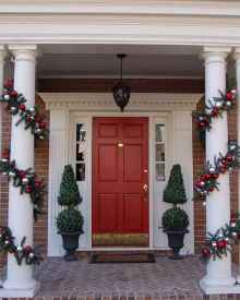 50 beautiful christmas porch decorations ideas and remodel (14)