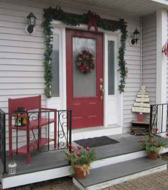 50 beautiful christmas porch decorations ideas and remodel (30)