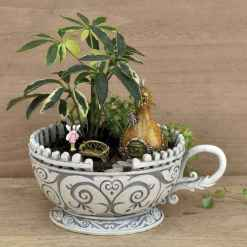 50 easy diy summer gardening teacup fairy garden ideas (14)