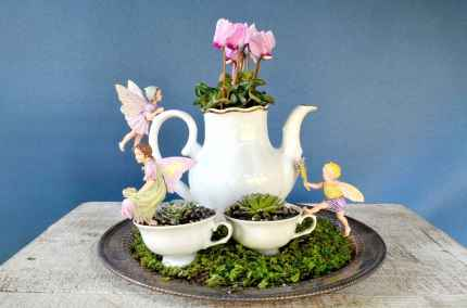 50 easy diy summer gardening teacup fairy garden ideas (34)