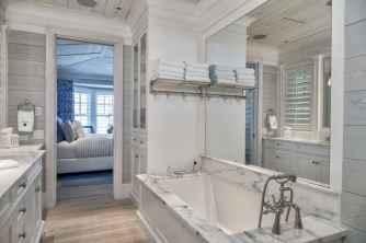 70 inspiring farmhouse bathroom shower decor ideas and remodel to inspire your bathroom (16)