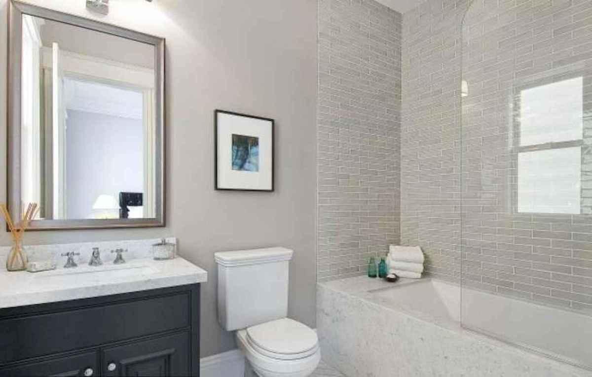 70 inspiring farmhouse bathroom shower decor ideas and remodel to inspire your bathroom (54)