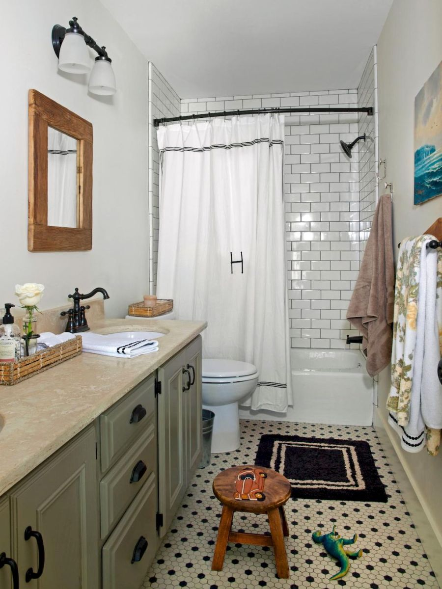 80 awesome farmhouse master bathroom decor ideas and remodel to inspire your bathroom (1)
