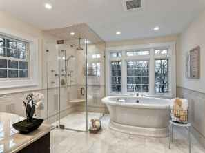 80 awesome farmhouse master bathroom decor ideas and remodel to inspire your bathroom (66)