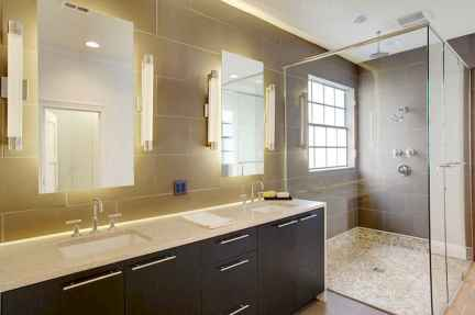 80 awesome farmhouse master bathroom decor ideas and remodel to inspire your bathroom (68)