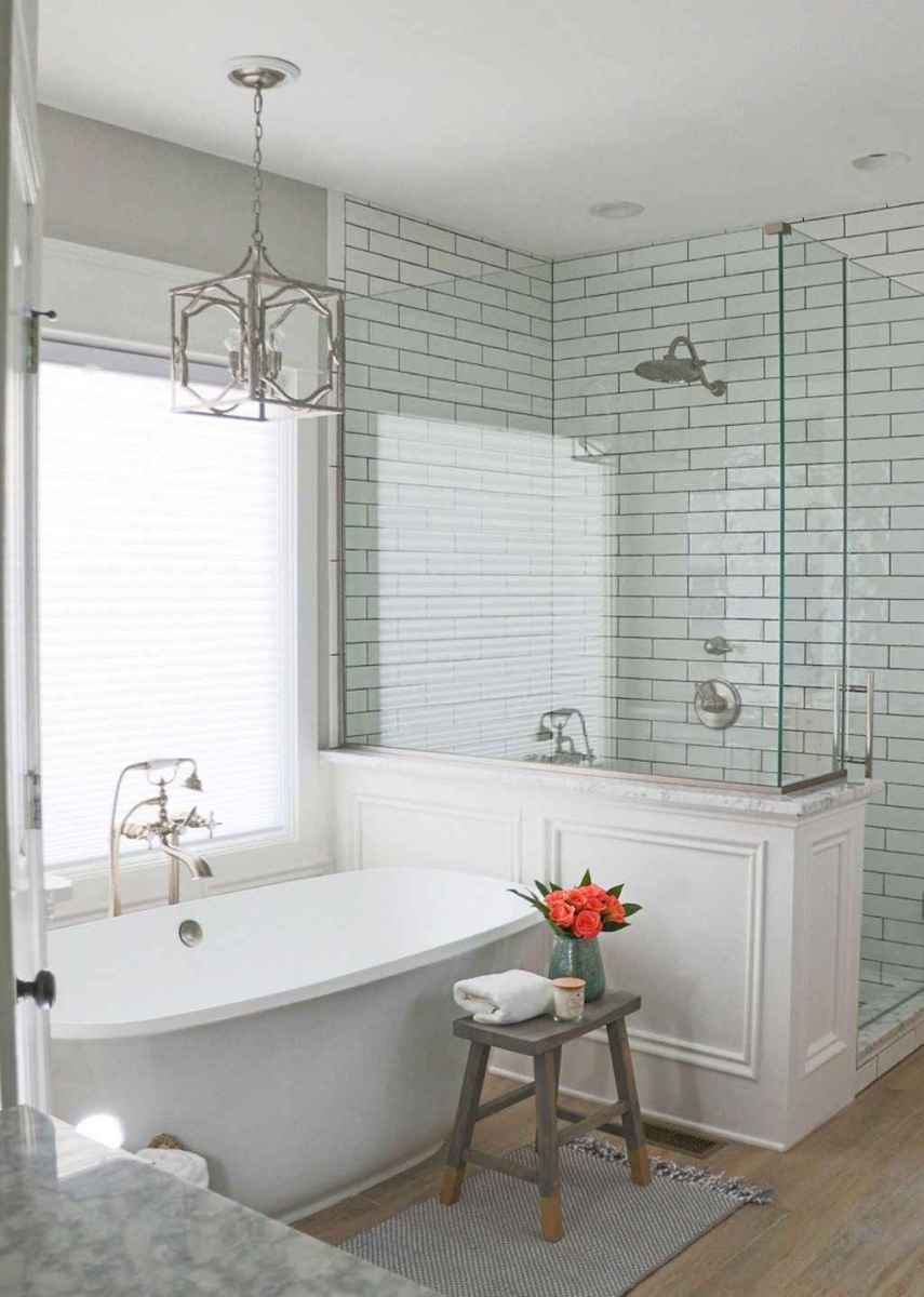 80 awesome farmhouse master bathroom decor ideas and remodel to inspire your bathroom (7)