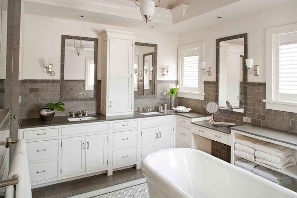 80 awesome farmhouse master bathroom decor ideas and remodel to inspire your bathroom (9)
