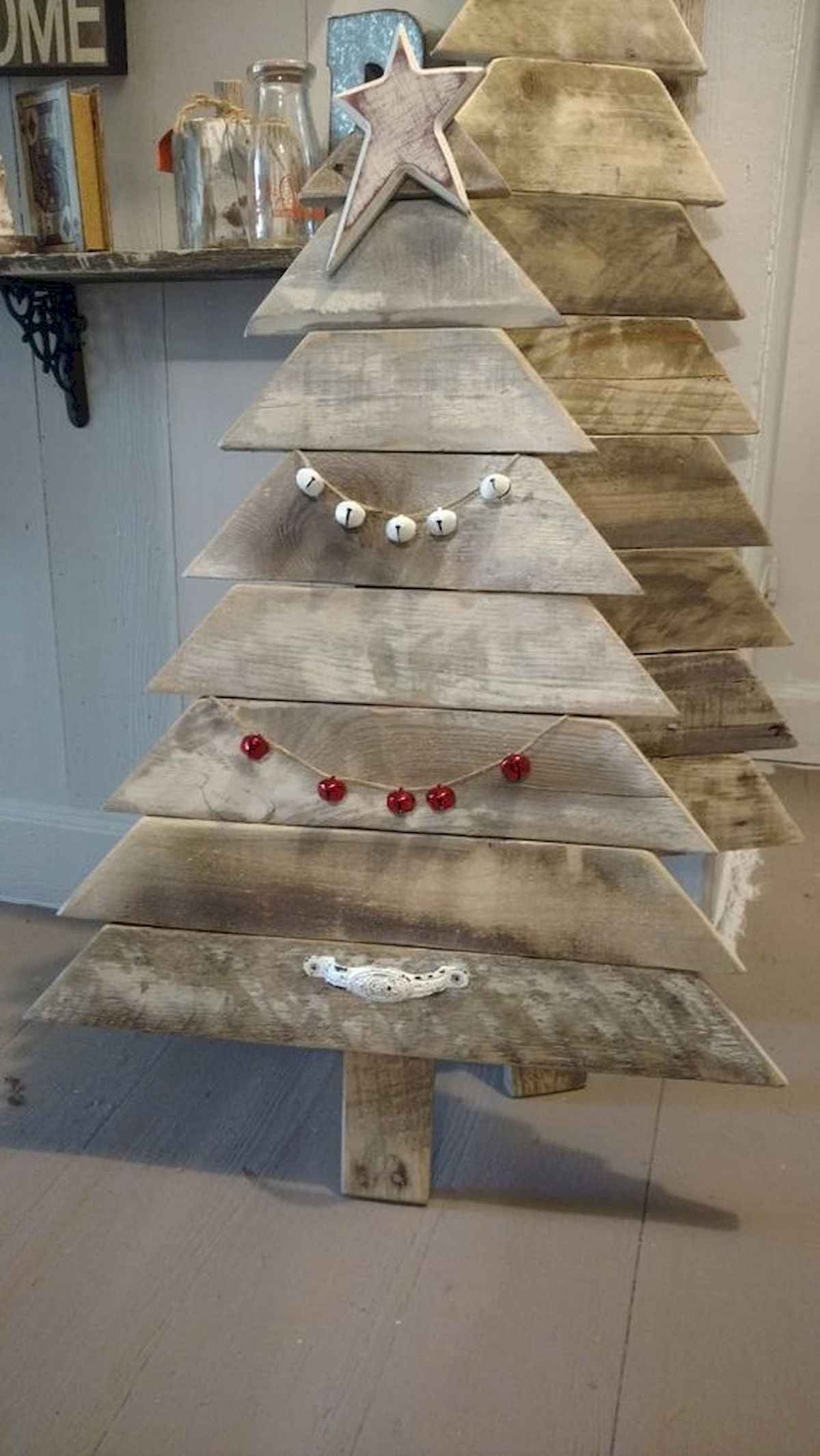 30 rustic and vintage christmas tree ideas decorations (3)