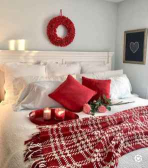 40 awesome bedroom christmas decorations ideas (29)