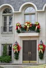 50 front porches farmhouse christmas decorations ideas (3)