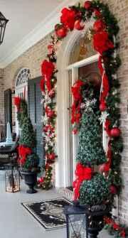 50 front porches farmhouse christmas decorations ideas (35)