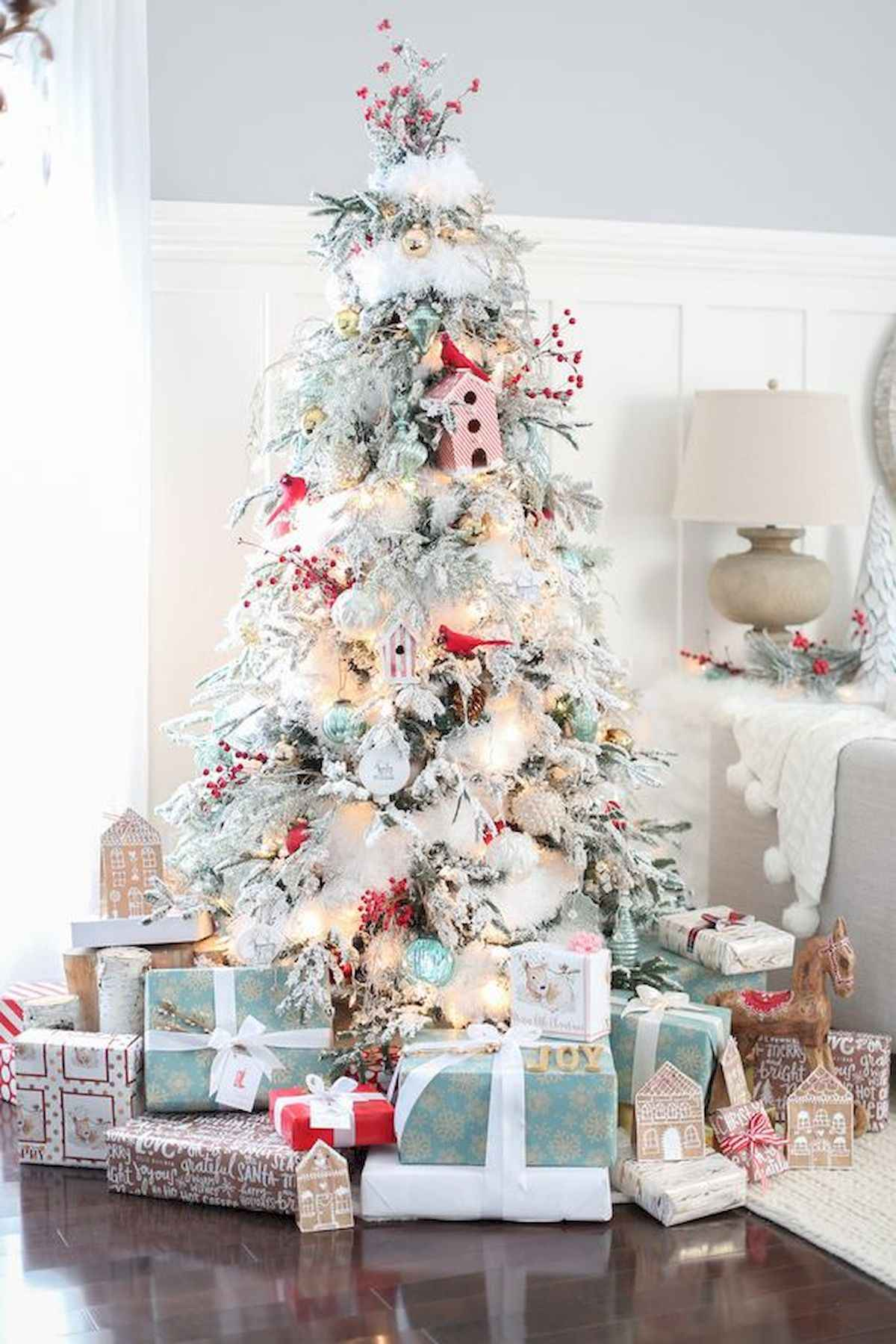 60 awesome christmas tree decorations ideas (41)