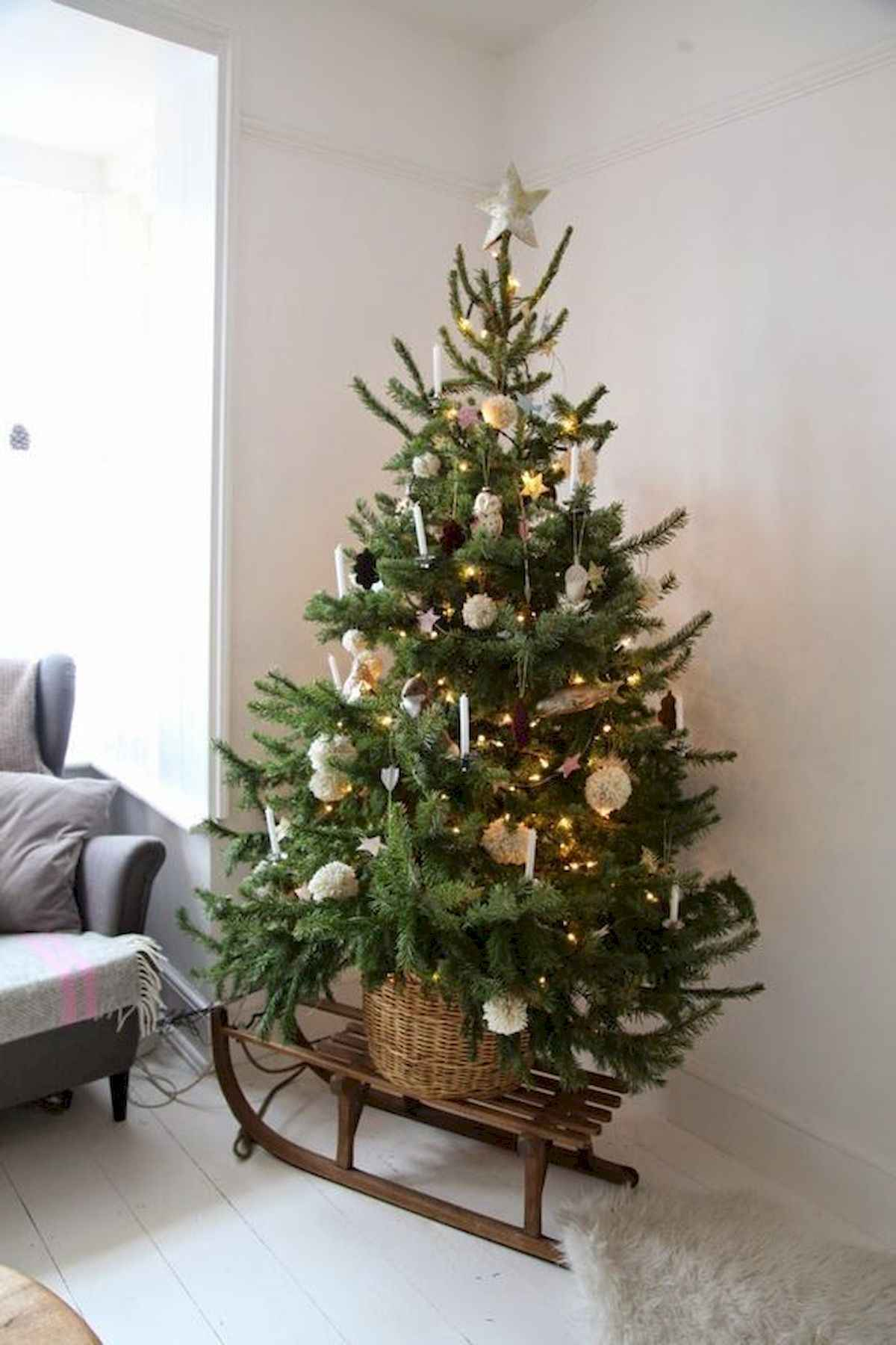 60 awesome christmas tree decorations ideas (50)