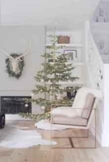 60 simple living room christmas decorations ideas (27)