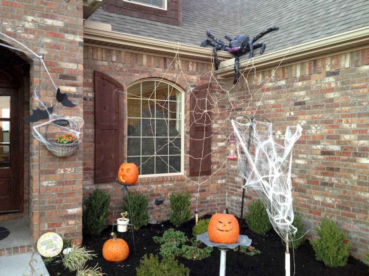 75 awesome helloween home decor ideas (66)