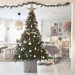 40 cheap and easy christmas decorations for your apartment ideas (50)
