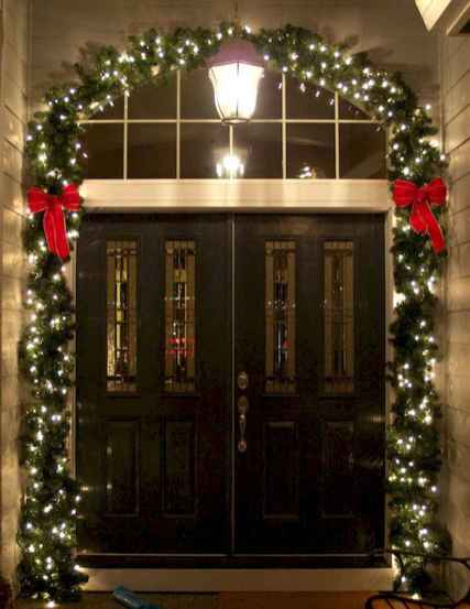50 stunning christmas front porch decor ideas and design (22)