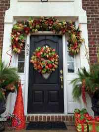50 stunning christmas front porch decor ideas and design (33)