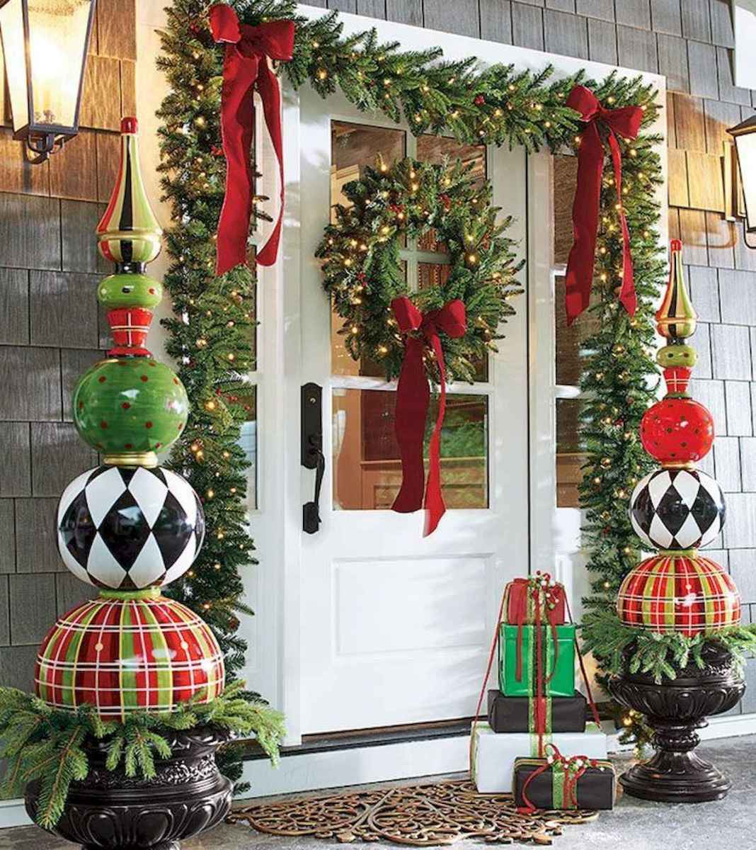 50 stunning christmas front porch decor ideas and design (42)