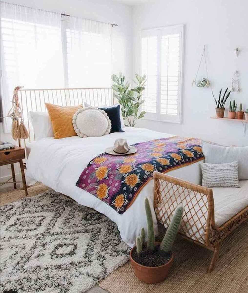 40 creative small apartment bedroom decor ideas (17)