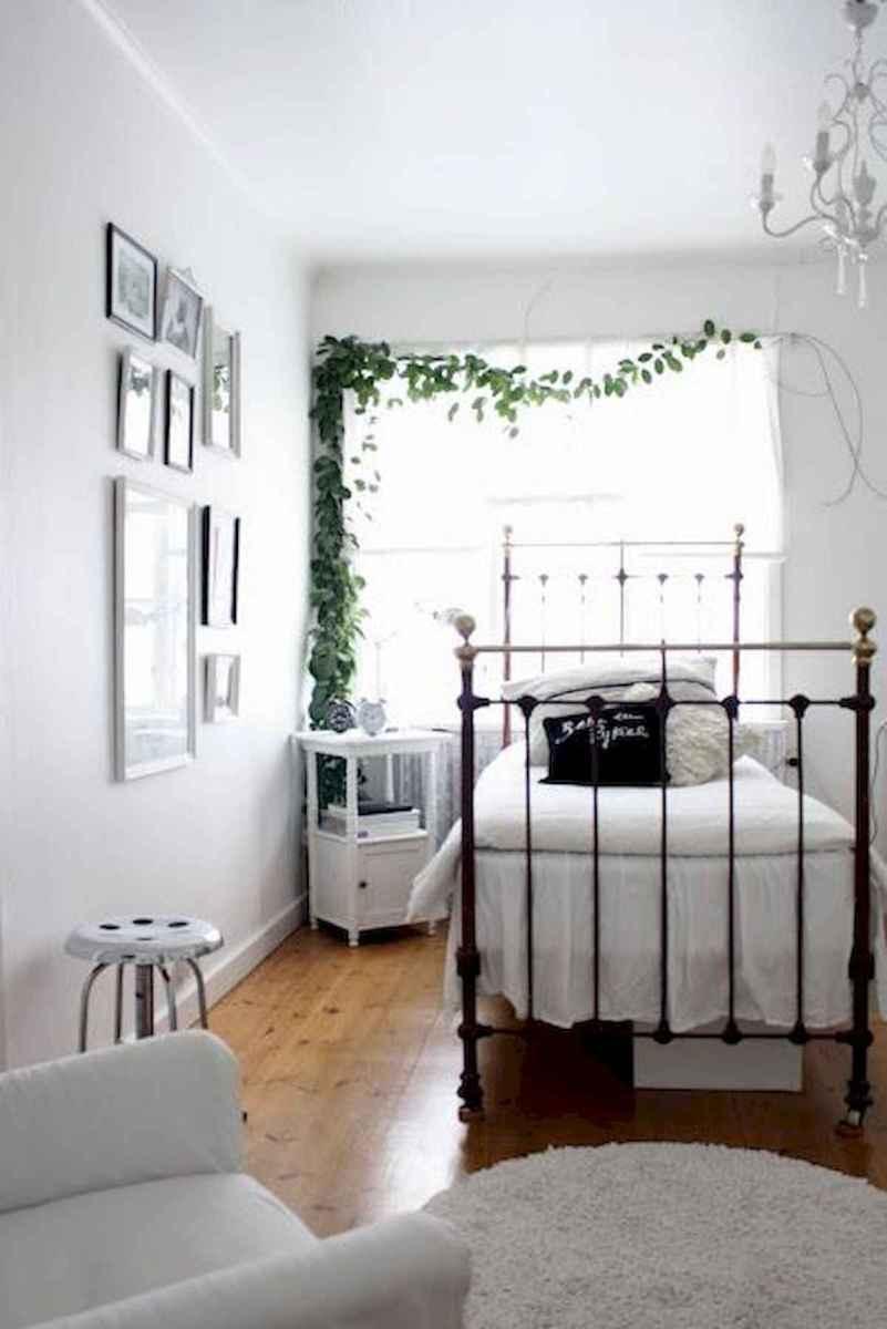 40 creative small apartment bedroom decor ideas (25)