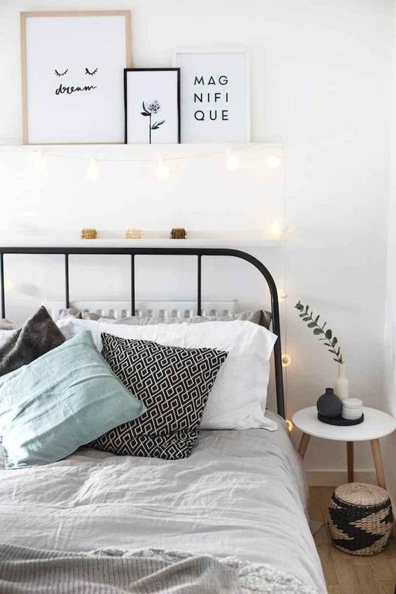 40 creative small apartment bedroom decor ideas (8)