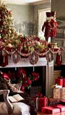 50 elegant christmas mantle decor ideas (3)