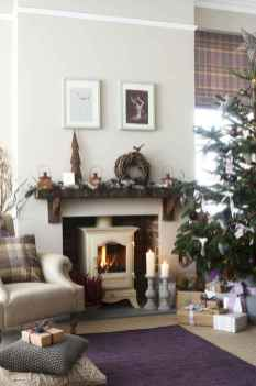50 elegant christmas mantle decor ideas (41)