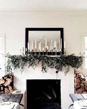 50 elegant christmas mantle decor ideas (9)