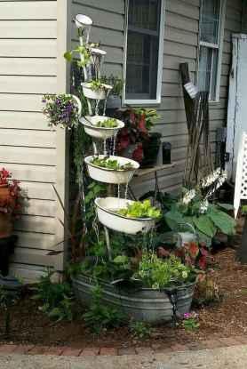 70 creative and genius garden art from junk design ideas for summer (34)