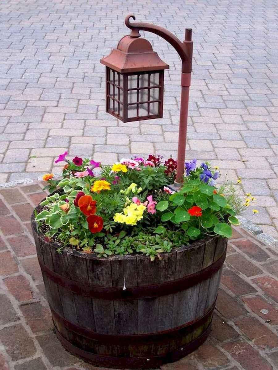 70 creative and genius garden art from junk design ideas for summer (37)